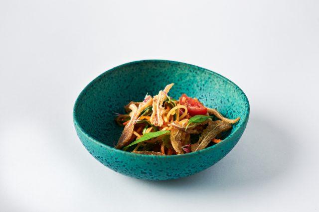 PAPAYA_SALADA_&_OREJA_FRITA-noticias-gourmet
